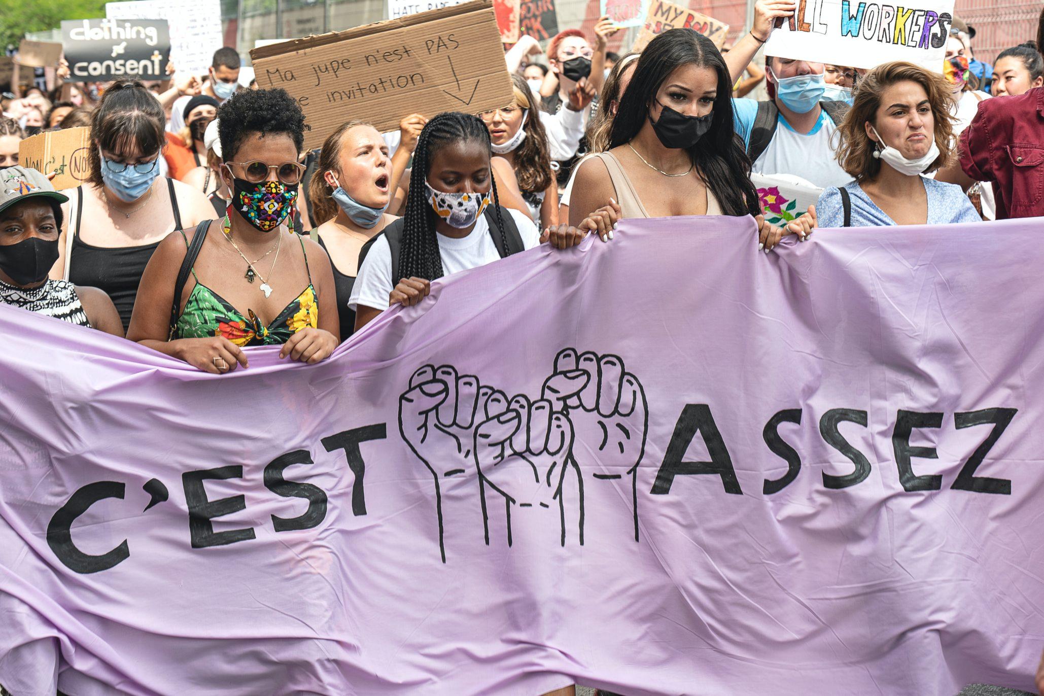 Tous engagés contre les violences faites aux femmes.